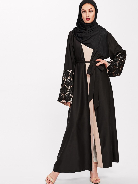Abaya Moderne Brodée noir Face