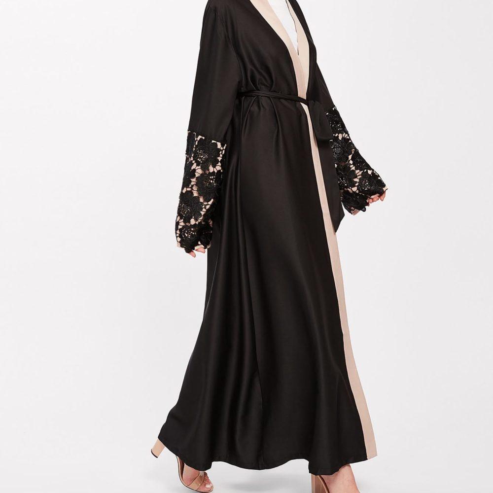 Abaya Moderne Brodée noir Profil
